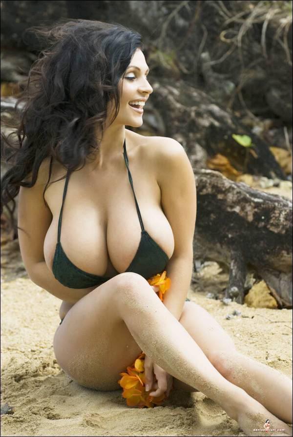 Jiah khan in bikini khanki - 3 5