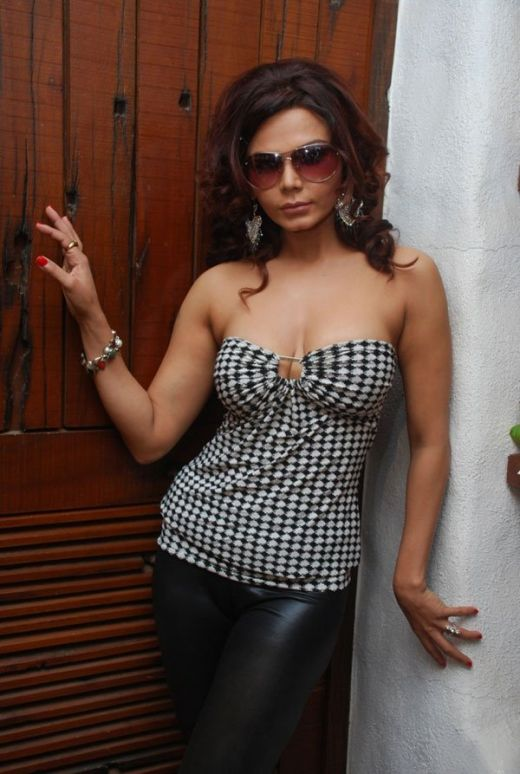 In Rakhi Sawant Leave A Reply Veena Malik Pakistan S