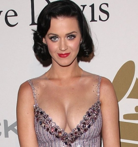 katy perry extreme cleavage on red carpet