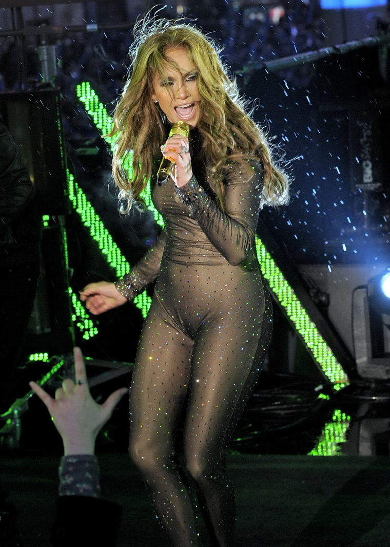 Jennifer Lopez In Very Tight Suit